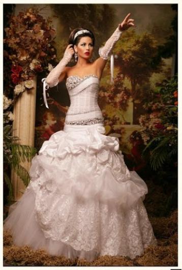 ازياء افراح 2014 , فساتين فخمة للعروس 2014 110137.png