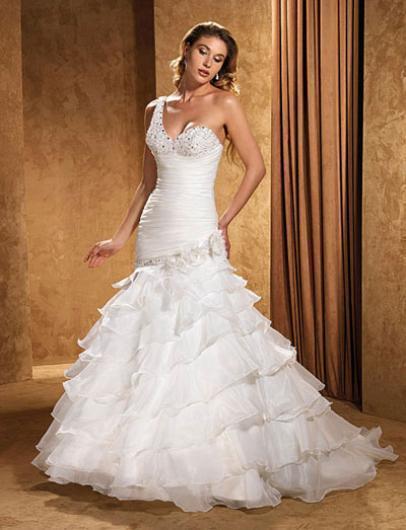 ازياء افراح 2014 , فساتين فخمة للعروس 2014 110139.png
