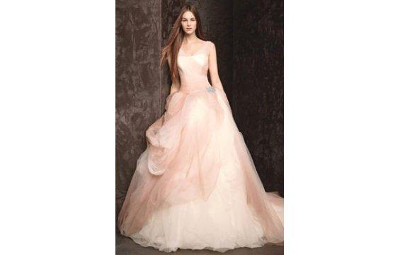 صور فساتين زفاف 2014 , فساتين بيضاء للزفاف 2014 110155.png